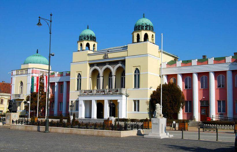 Mohács, ayuntamiento
